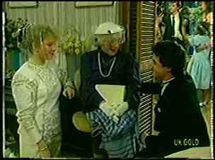 Terry Inglis, Aunt Daisy, Paul Robinson in Neighbours Episode 0129
