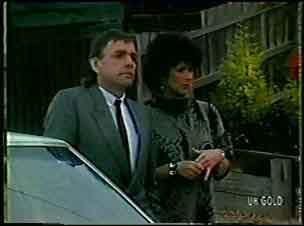 Charles Durham, Barbara Hill in Neighbours Episode 0130