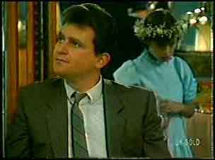 Des Clarke, Lucy Robinson in Neighbours Episode 0130