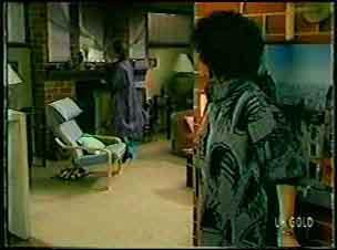 Daphne Clarke, Barbara Hill in Neighbours Episode 0130