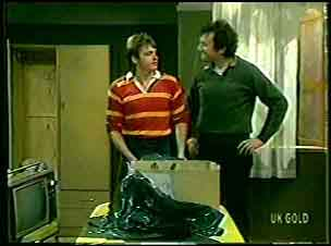 Shane Ramsay, Max Ramsay in Neighbours Episode 0131