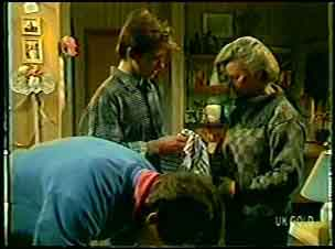 Scott Robinson, Danny Ramsay, Helen Daniels in Neighbours Episode 0132