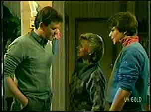 Des Clarke, Helen Daniels, Scott Robinson in Neighbours Episode 0132