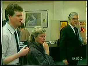 Des Clarke, Helen Daniels, Douglas Blake in Neighbours Episode 0132