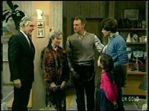 Douglas Blake, Helen Daniels, Jim Robinson, Lucy Robinson, Scott Robinson in Neighbours Episode 0133
