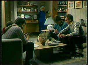 Paul Robinson, Lucy Robinson, Terry Inglis, Scott Robinson, Jim Robinson in Neighbours Episode 0133