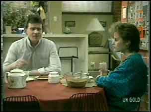 Des Clarke, Daphne Clarke in Neighbours Episode 0134