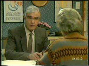Douglas Blake, Helen Daniels in Neighbours Episode 0134