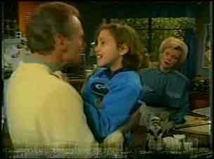 Jim Robinson, Lucy Robinson, Helen Daniels in Neighbours Episode 0134
