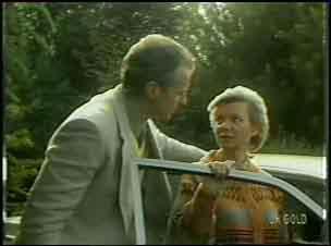 Jim Robinson, Helen Daniels in Neighbours Episode 0134