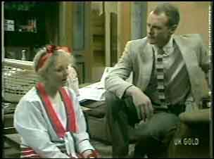 Terry Inglis, Jim Robinson in Neighbours Episode 0136