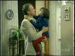 Jim Robinson, Lucy Robinson in Neighbours Episode 0136