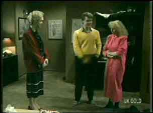 Stephanie Jackson, Paul Robinson, Terry Inglis in Neighbours Episode 0137