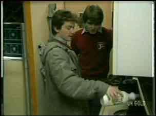 Danny Ramsay, Scott Robinson in Neighbours Episode 0138
