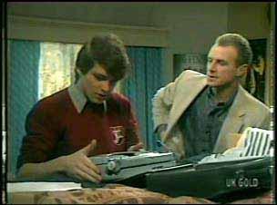 Scott Robinson, Jim Robinson in Neighbours Episode 0138