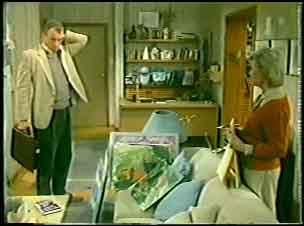 Jim Robinson, Helen Daniels in Neighbours Episode 0140