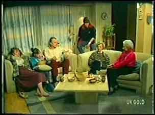 Julie Robinson, Lucy Robinson, Jim Robinson, Scott Robinson, Helen Daniels, Bess Robinson in Neighbours Episode 0141