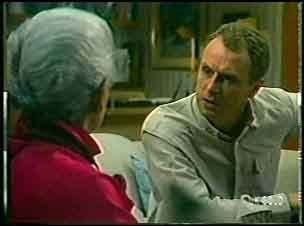 Bess Robinson, Jim Robinson in Neighbours Episode 0141
