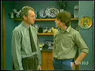 Jim Robinson, Scott Robinson in Neighbours Episode 0142