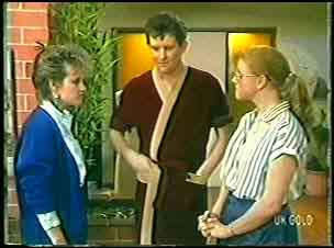 Daphne Clarke, Des Clarke, Sarah Richards in Neighbours Episode 0144