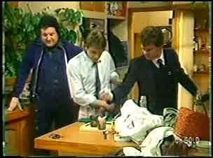 Max Ramsay, Shane Ramsay, Paul Robinson in Neighbours Episode 0144