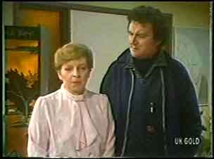 Eileen Clarke, Max Ramsay in Neighbours Episode 0144