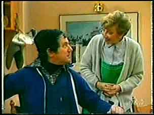 Eileen Clarke, Max Ramsay in Neighbours Episode 0145