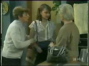 Eileen Clarke, Julie Robinson, Helen Daniels in Neighbours Episode 0146