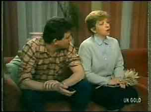 Des Clarke, Eileen Clarke in Neighbours Episode 0146