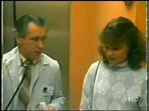 Julie Robinson in Neighbours Episode 0146