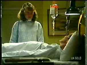 Julie Robinson, Philip Martin in Neighbours Episode 0147