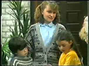 Michael Martin, Julie Robinson, Debbie Martin in Neighbours Episode 0147