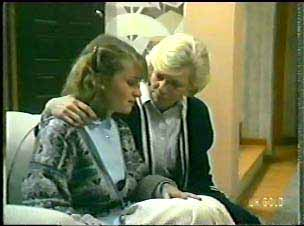 Julie Robinson, Helen Daniels in Neighbours Episode 0147