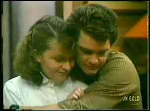 Julie Robinson, Paul Robinson in Neighbours Episode 0148