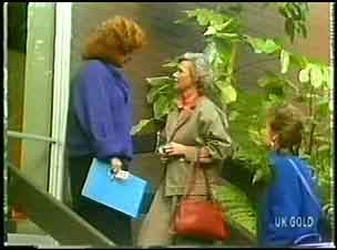 Audrey Gibbs, Helen Daniels, Daphne Lawrence in Neighbours Episode 0148