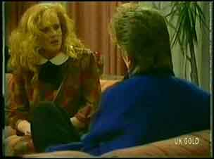 Sarah Richards, Daphne Clarke in Neighbours Episode 0149