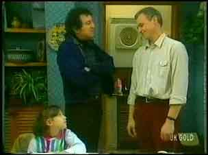 Lucy Robinson, Max Ramsay, Jim Robinson in Neighbours Episode 0152