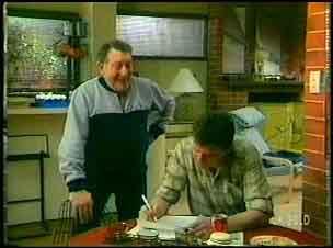 Harry Henderson, Des Clarke in Neighbours Episode 0152