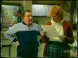 Harry Henderson, Sarah Richards in Neighbours Episode 0152