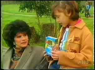 Barbara Hill, Lucy Robinson in Neighbours Episode 0152