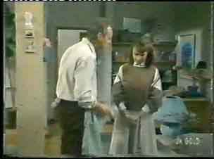 Jim Robinson, Julie Robinson in Neighbours Episode 0153
