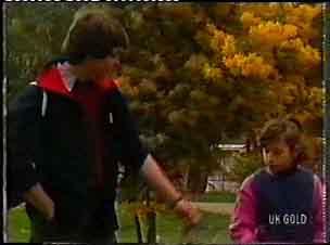Scott Robinson, Lucy Robinson in Neighbours Episode 0155