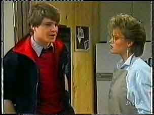Scott Robinson, Daphne Lawrence in Neighbours Episode 0155