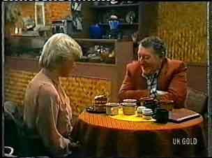 Helen Daniels, Harry Henderson in Neighbours Episode 0156
