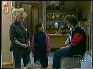 Terry Inglis, Lucy Robinson, Daphne Clarke in Neighbours Episode 0156