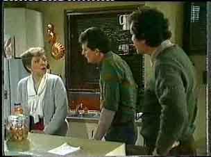 Eileen Clarke, Des Clarke, Max Ramsay in Neighbours Episode 0158