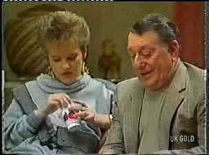 Daphne Clarke, Harry Henderson in Neighbours Episode 0158