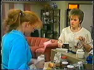 Sarah Richards, Daphne Clarke in Neighbours Episode 0159