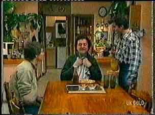 Scott Robinson, Max Ramsay, Danny Ramsay in Neighbours Episode 0160