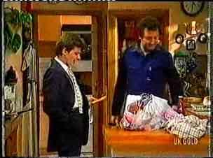 Danny Ramsay, Max Ramsay in Neighbours Episode 0160